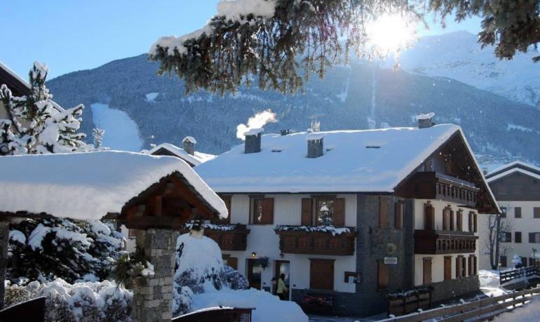 Vacanze natale e capodanno a bormio chalet gardenia for Appartamenti bormio