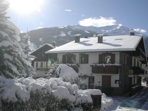 Weihnachten und Neues Jahr in den Alpen